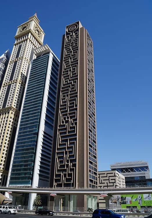 Al Rostamani Maze Tower - Dubai cephe kaplama projesi
